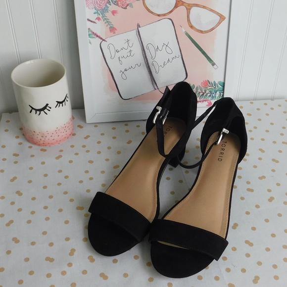 d65dc105b7b9 NWT Torrid 10.5 Black Faux Suede Block Heels